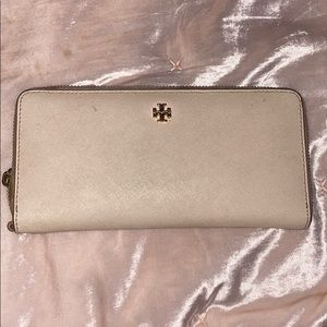 Used tory burch wallet